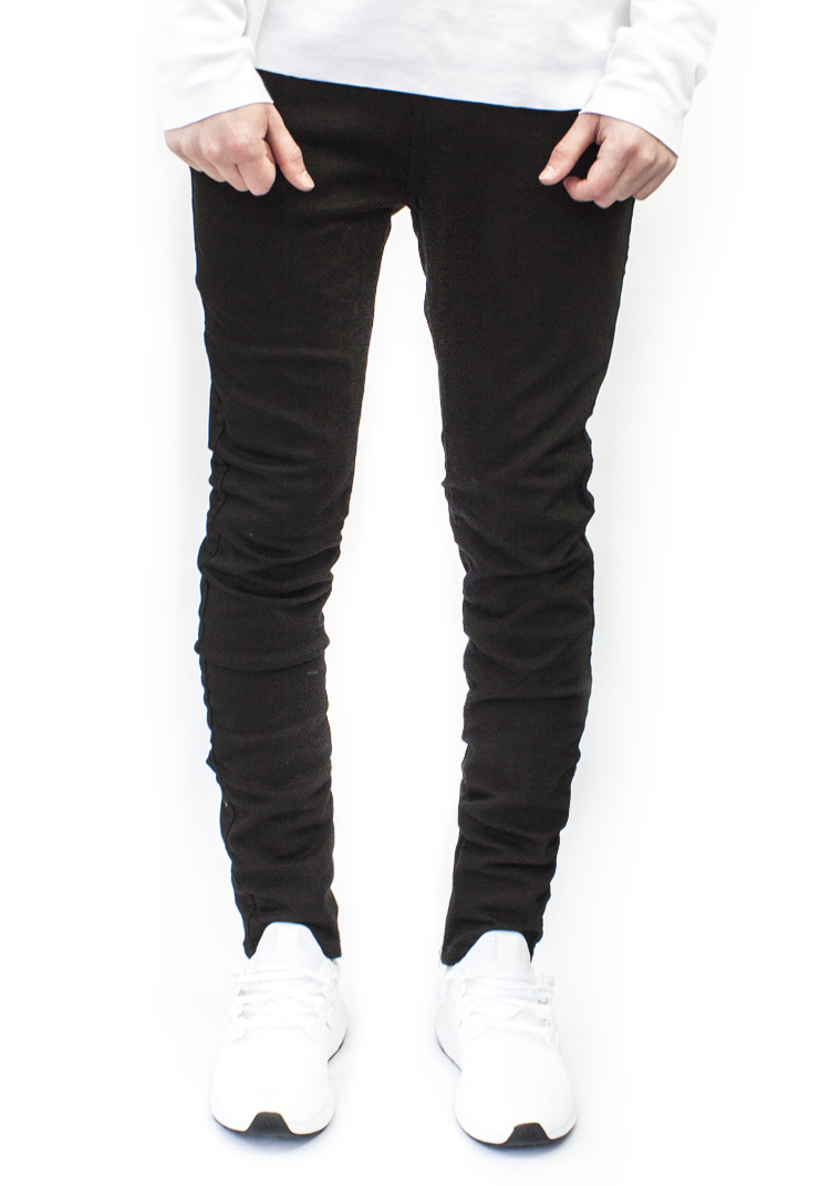 ESSENTIAL DENIM BLACK